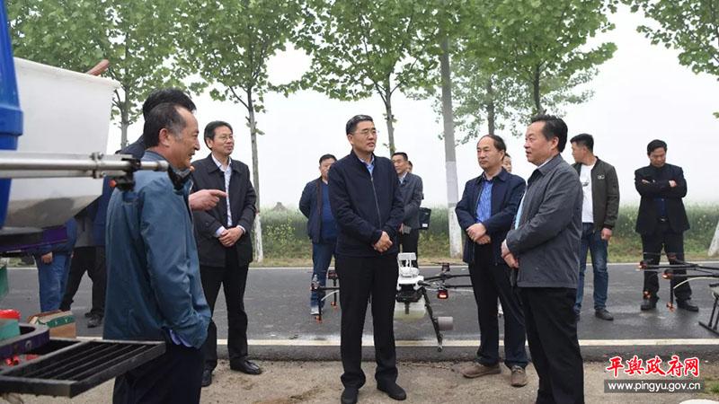 省农业农村厅副厅长薛玉森到平舆县调研小麦赤霉病防控工作